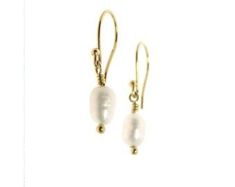 Dangle earrings Freshwater Pearl In 14K Yellow Gold