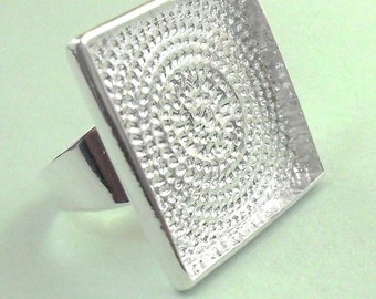 100pcs silver tone square tray Adjustable Ring Blank