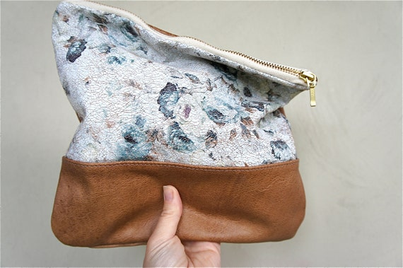NEW SIZE////Antique Crackle Rose Leather with Camel Leather Pouch