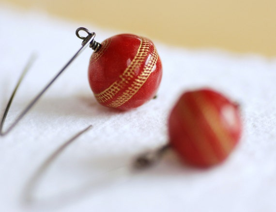 Earrings Red and Gold Vintage Lucite and Oxidized Sterling Silver - simplify