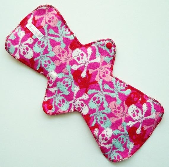 "13"" Organic Bamboo Velour Cloth Menstrual Pad - Skulls Flannel"