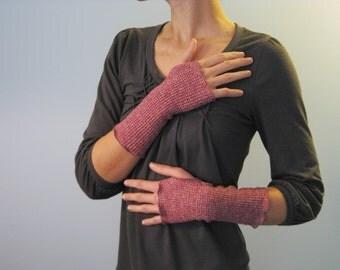 Fisherman's Daughter organic lobster red thermal fingerless gloves