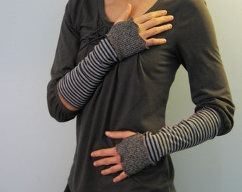 Fisherman's Daughter organic two tone fingerless gloves/ oyster blue stripes