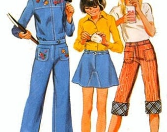 1970s Girls Cuffed Capri Pants, SHORTY Skirt and Cropped Jacket Simplicity 6303 Vintage 70s Sewing Pattern Size 8 Breast 27