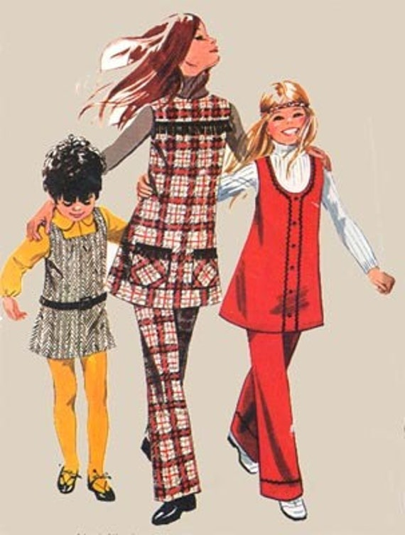 Vintage 70s Simplicity 9537 Girls Hippie Mini Jumper or Fringed Tunic and Pants Size 10 Breast 28.5