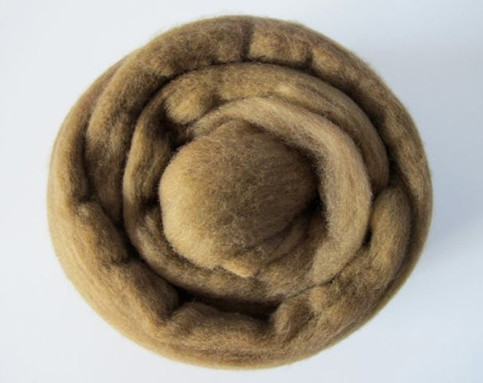 Roving Singles 1oz Olive Brown Merino (with a free sample of matching Firestar)