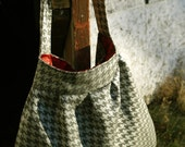 Houndstooth Pleated Purse