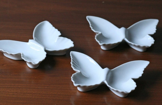Set Of 6 White Porcelain Butterfly Dishes