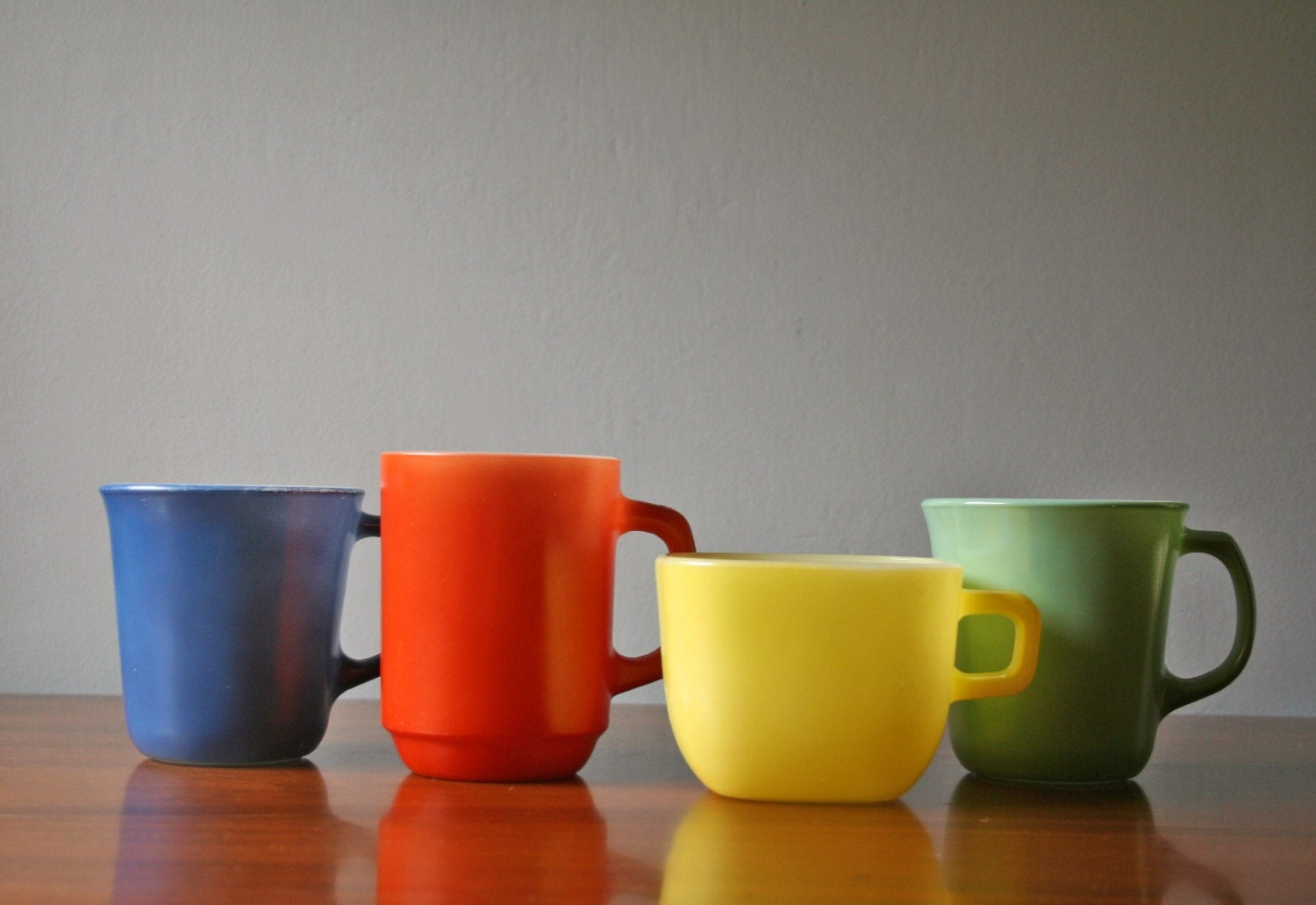 Vintage kitchen decor green - Four Mix And Match Colored Milkglass Coffee Mugs
