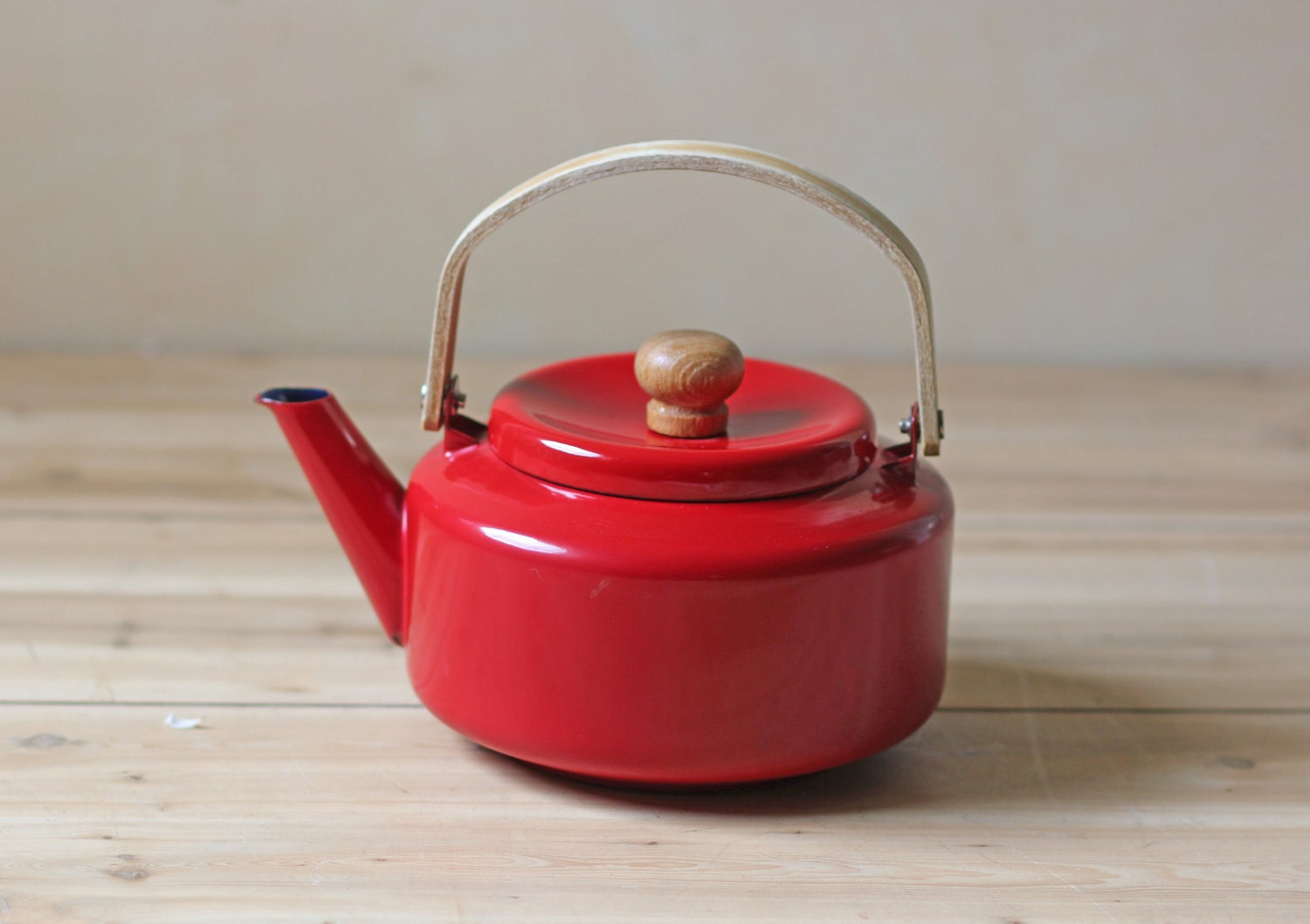 Red Tea Kettle ~ Red enamel tea kettle bentwood handle teapot