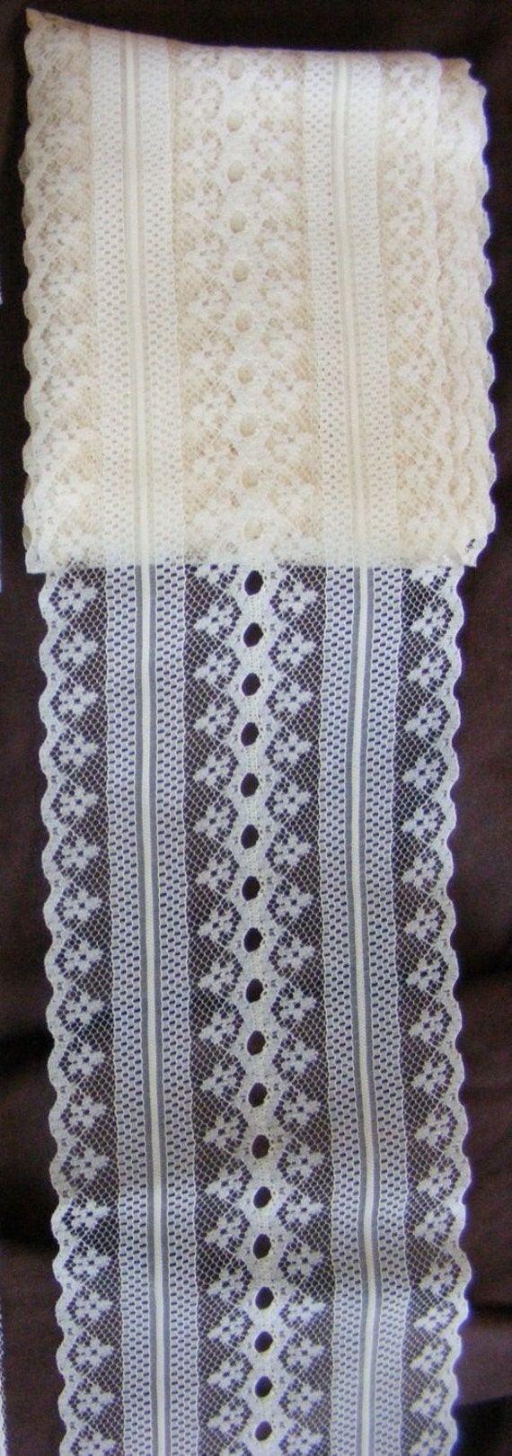 """ivory lace, 3 7/8"""" wide lace with scalloped edges"""
