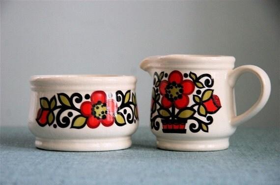 Adorable Retro Floral Cream and Sugar Set