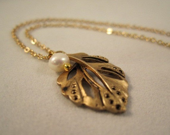 Antique Gold Autumn Leaf Pendant and Pearl Necklace