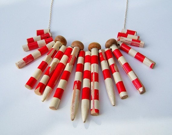 Knitting Needle Gauge Necklace : Red and white striped knitting needle necklace