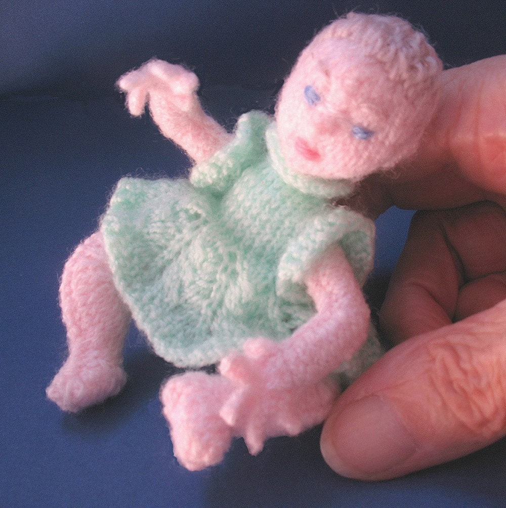 pdf miniature baby doll knitting pattern Tina