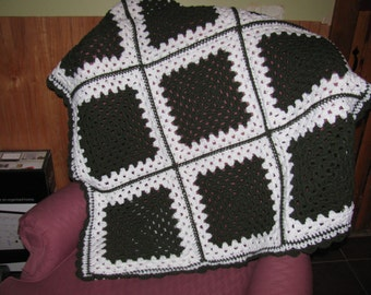 Warm crochet hunter Green and white Granny square afghan