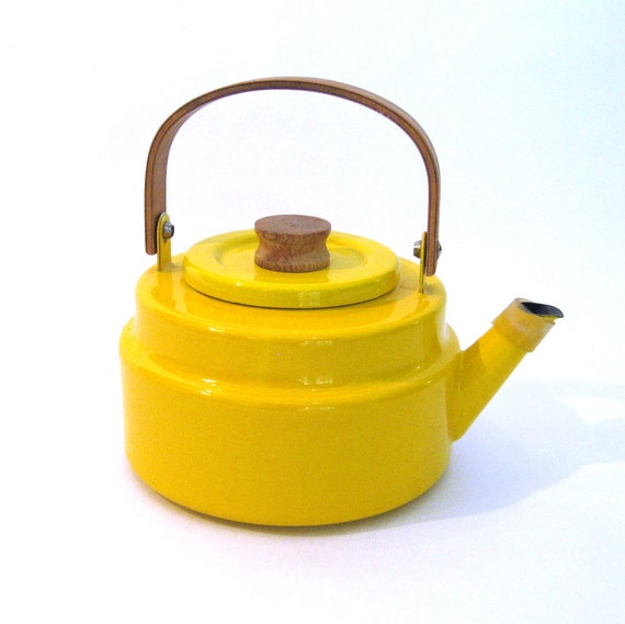 vintage Sunshine Yellow Kettle / Copco Kettle / Micheal Lax