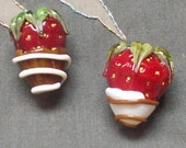 Dipped Strawberry duo II Lampwork Beads by Bruna SRA
