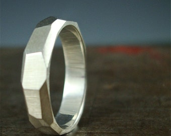 Woman's Chiseled Ring - Faceted Band - Sterling silver