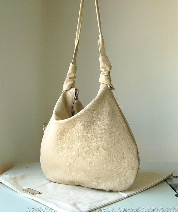 Rosaire, Nude, Cream leather hobo shoulder bag, handmade.
