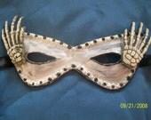 Skeleton I - A Bony Mask