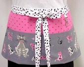 Tammis Cats/Dogs Gray Zipper/Key Clasp Vendor Apron