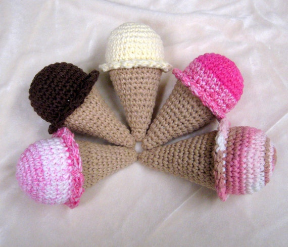 Amigurumi Ice Cream Pattern : Amigurumi Ice Cream Cone Crochet Pattern PDF by xraychic9 ...
