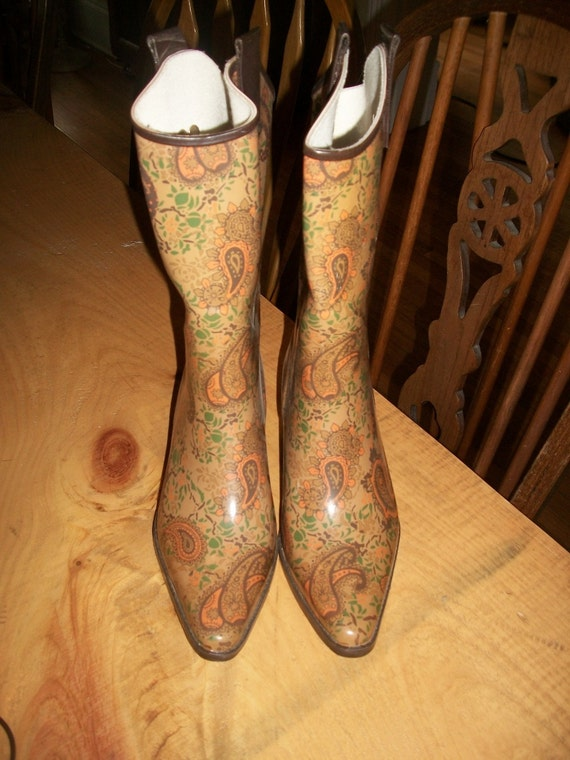 VINTAGE  paisley ruber cowboy boots,good for the rain