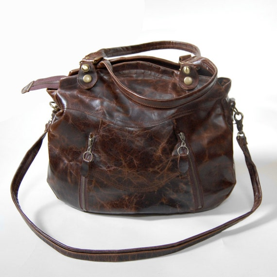 Larch bag in distressed tobacco