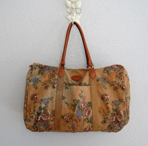 G I T A N O ..vintage 80s huge overnight bag