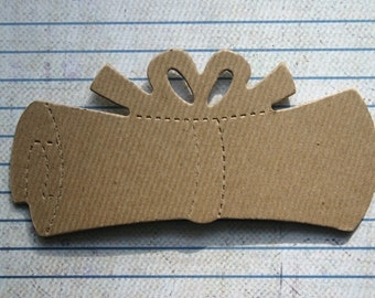 4 Bare chipboard die cuts diploma with bow Diecuts