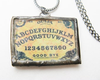 Ouija Board necklace - ouija board pendant - neckace - black - chain - bead - halloween - horror - glass -