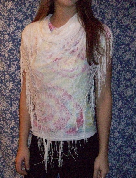 SALE - Vintage White Triangle Scarf with Fringe