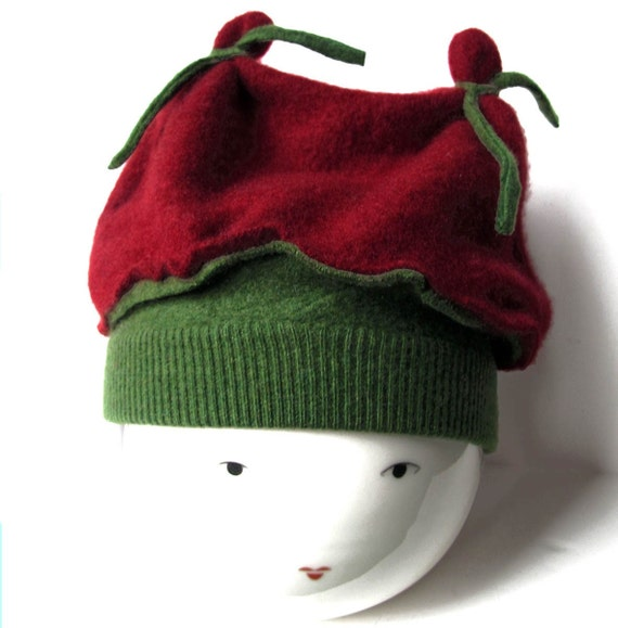 Christmas Hat, CASHMERE Hat Kids Red Green, fits age 2 to 10