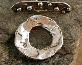 Toggle with Dotted Bar in Sterling Silver