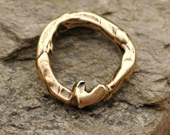 Artisan Link with a Single Heart in Golden Bronze, AD24b