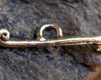 Artisan Toggle Bar in Sterling Silver