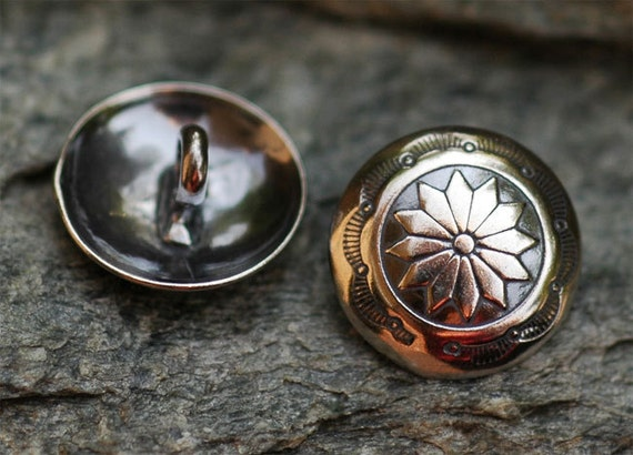 ONE Flower Adorned Navajo Button in Sterling Silver