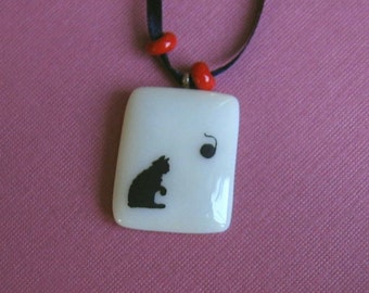 Glass Pendant Necklace- Cat and Yarn