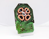 Clock made from a turntable motor circuit board