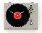Recycled Turntable Clock