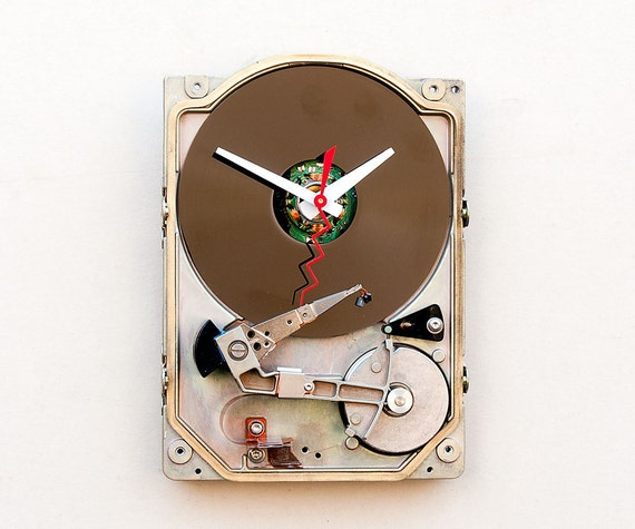 Clock made from a 5.25 Computer hard drive