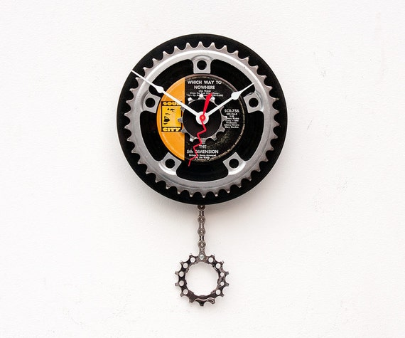 Clock made from a recycled Bike Chain ring and a 45 Record