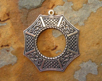 1 Antique Silver Patina Asian Window 24.5mm x 26.5mm Pendant - Toggle Ring - Trinity Brass