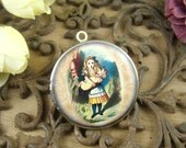 1pcs 32mm  Handmade Antique Bronze Brass Photo Locket Pendant / Charm - Alice In Wonderland HLK004A