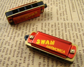 2pcs Red Vintage Style Harmonica Necklace Pendant HC005