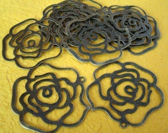 50% OFF SALE - 24pcs 32mm Antique Bronze Filigree Rose Charm CWE001