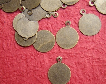 50pcs 10mm Antique Bronze Cabochon Tags Charm Drop CWD108