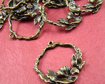 50% OFF SALE - 4pcs 28x25mm Antique Bronze Flower Charm Pendant AB761