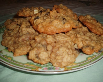 2 Dozen Oatmeal Raisin Cookies